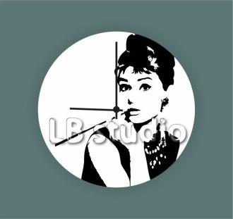 Часы с изображением Одри Хепберн