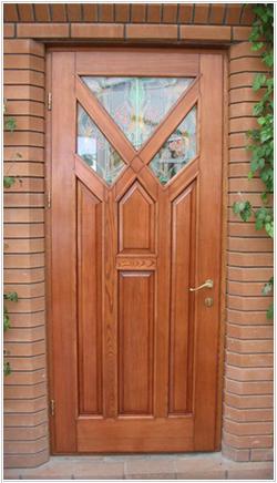 двери сосна для дачи входная