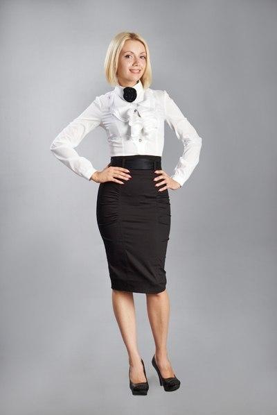белая блузка черная юбка