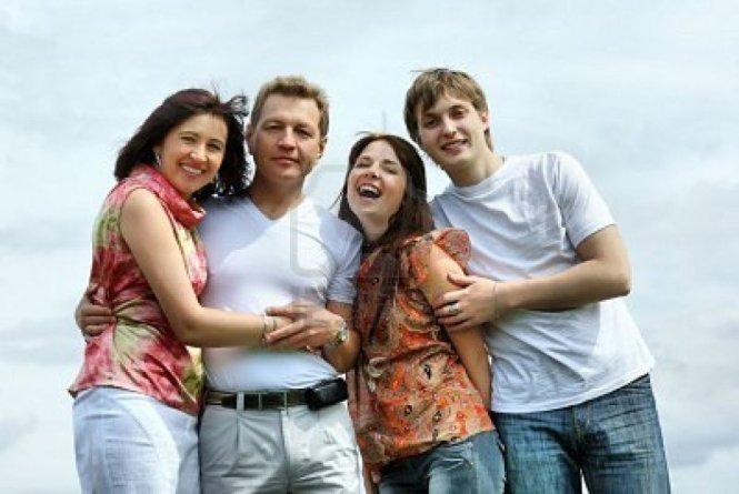 взрослое семейное фото